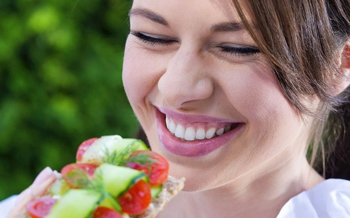 PERCHE' I VEGANI SONO FELICI  Migliora il tuo umore con l'alimentazione vegetale